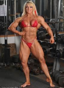 head sissor heavyweight femal bodybuilder picture 1