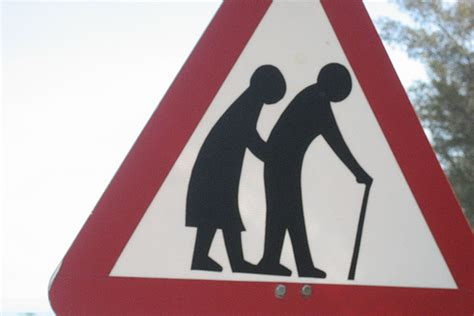 28 aging signs picture 5