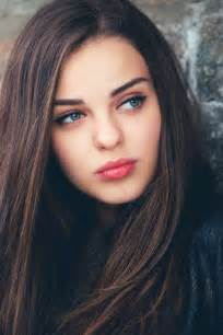 brown hair green eyes girl picture 21