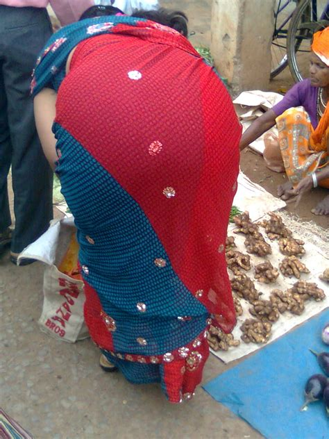 aunty in sarees back view with big gaand picture 8