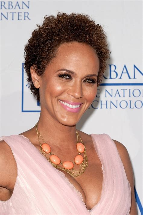 celebs with short natural hair picture 1