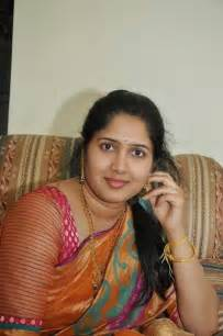 south indian aunties pundai kattum pics picture 3