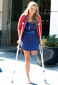women leg amputee high level on crutches picture 5