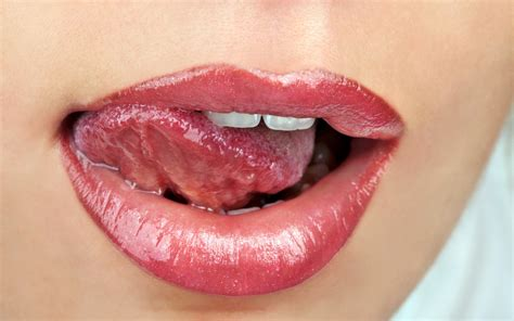 hot lips picture 5