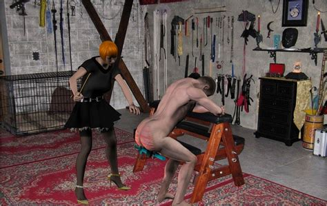 whipping women in the dungeons picture 10