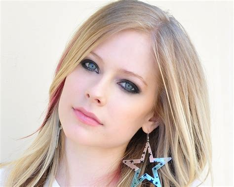 avril lavinge hair styles picture 15
