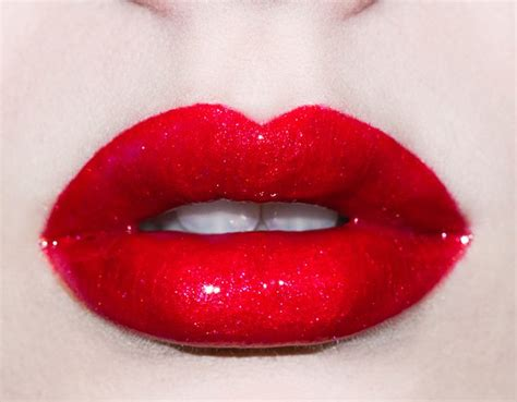 red glossy lips picture 14