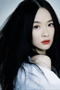 black hairplement pale skin picture 3