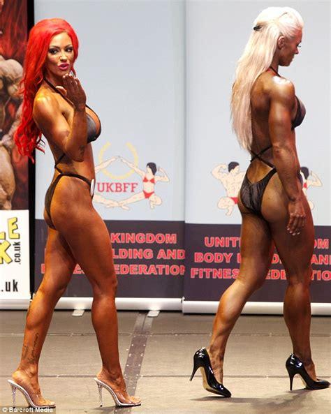 female bodybuilder wrestling man picture 14