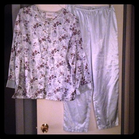 amanda stewart brand nightgowns picture 11