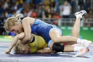 women wrestling picture 9