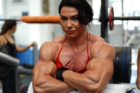 female musclewomen wrestling picture 1