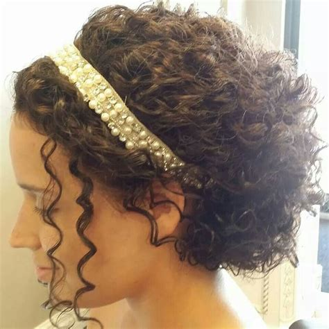 Upstyles for curly hair picture 3