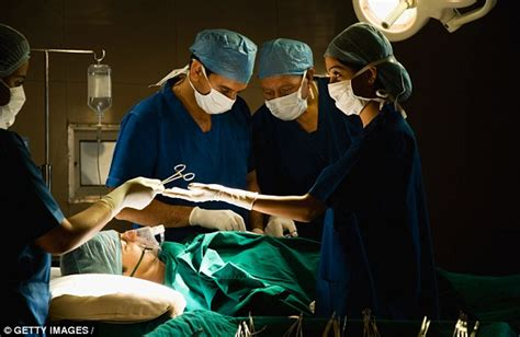 did colon kaepernick have surgery picture 10