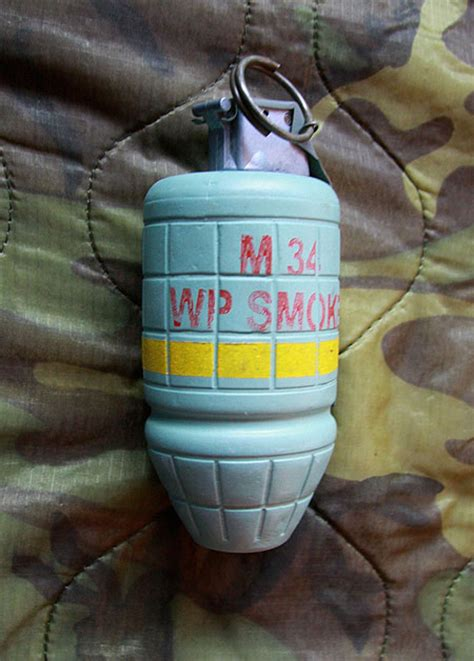 m-18 smoke grenade picture 6
