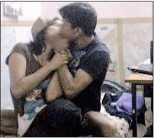 noida mba student girl striptease mms scandal picture 6