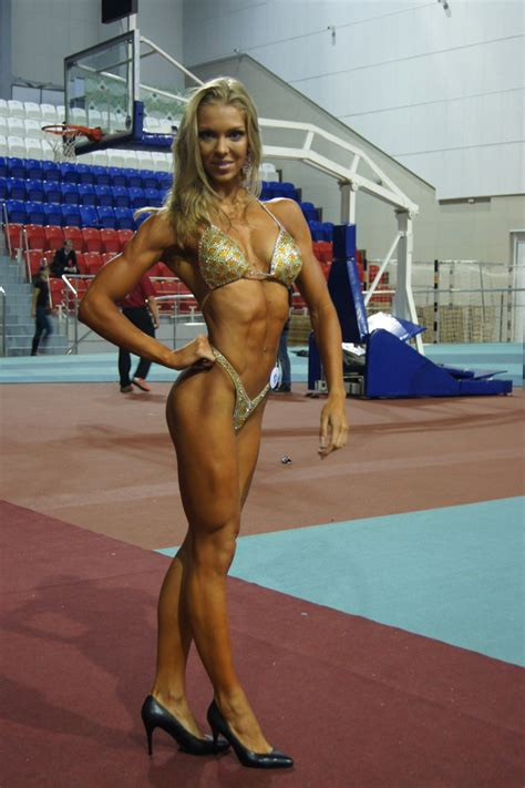 female muscle board picture 3