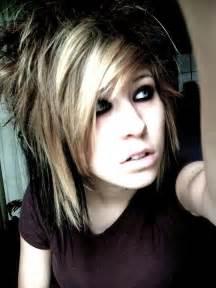 Girlsshort emo hair picture 3