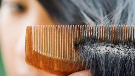 residue expelling from the scalp hair picture 7