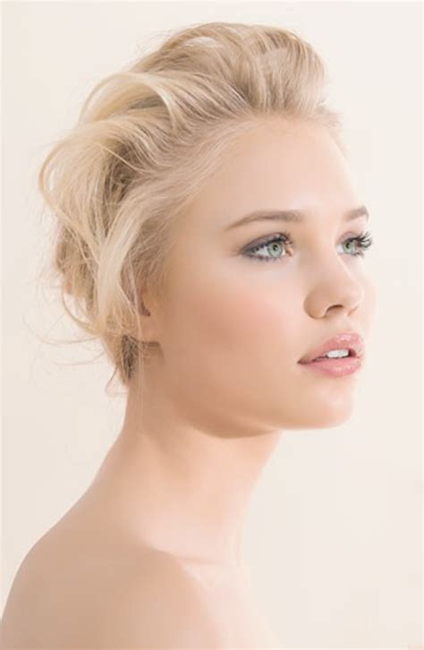 make up tips for fair skin picture 2
