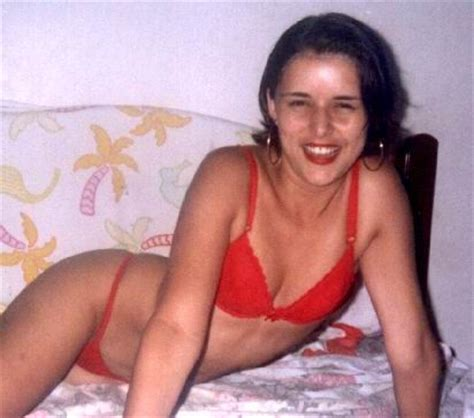 giselle sanchez not taking shower during her entire picture 10