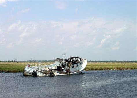 debris response vessels picture 2