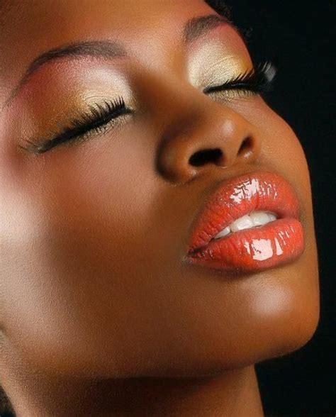 dark skin color around the lips picture 8