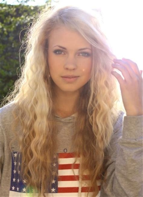 curly hair blonde picture 18