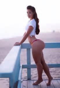 round athletic female es on tumview picture 3