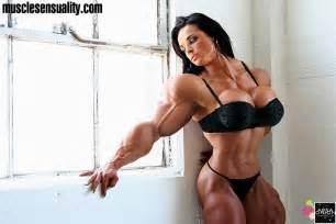 sexy female muscle growth picture 3