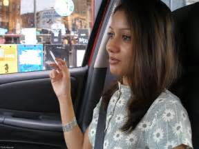 sexy indian women who smoke picture 2