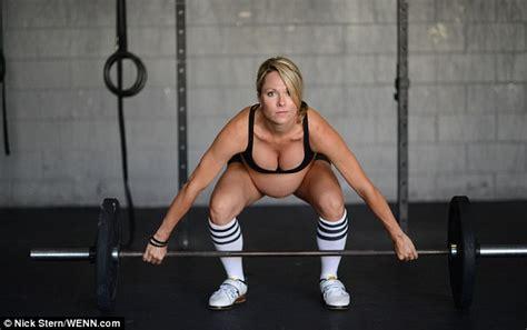 female bodybuilding lesbi picture 2