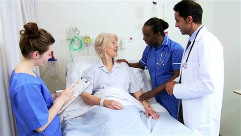 female doctors helping male patients release picture 9