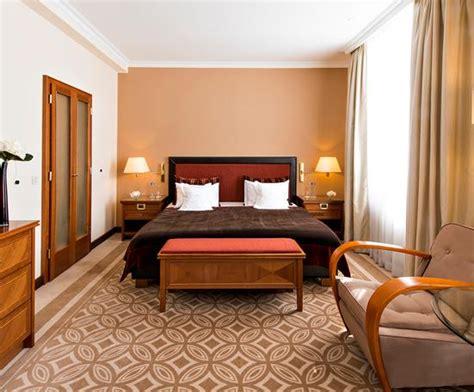 no sleep hotel picture 1