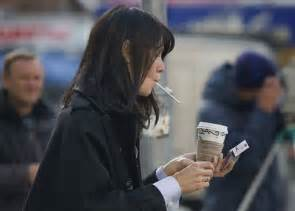 women want to smoke in public picture 5