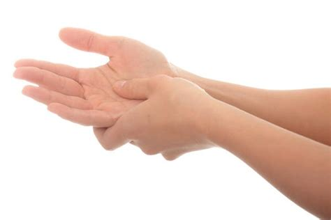 causes feeling of legs foot and hands asleep picture 1