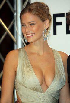 lara logan breast implants picture 7