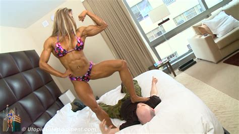 female muscle wrestling picture 1