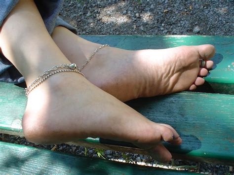 feet message board picture 2