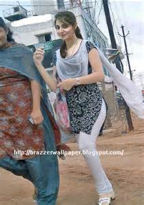 hot indian bhabi in wet tight churidar visible picture 5