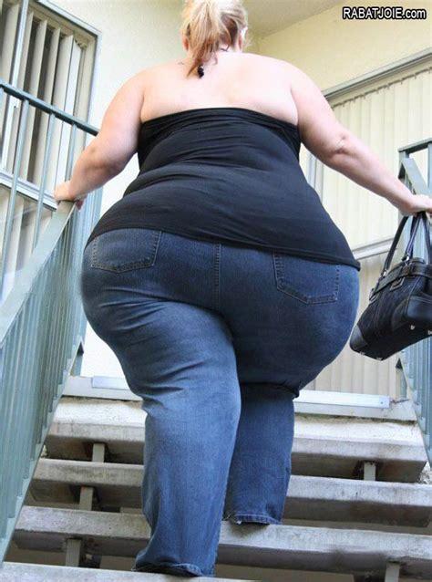 fat ssbbw crushing small man picture 6