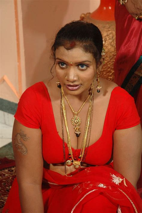 real life aunty side saree boop show blog picture 11