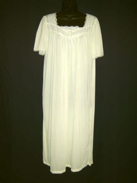 amanda stewart brand nightgowns picture 19