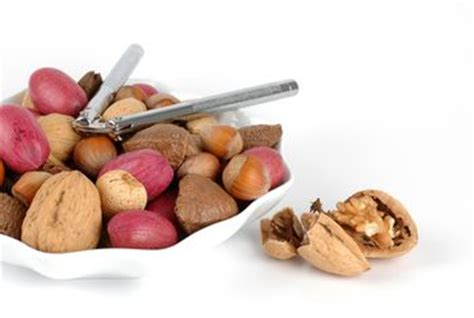 nuts help lower cholesterol picture 3