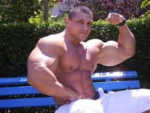 Yummi Cosmin (Bodybuilder) picture 2
