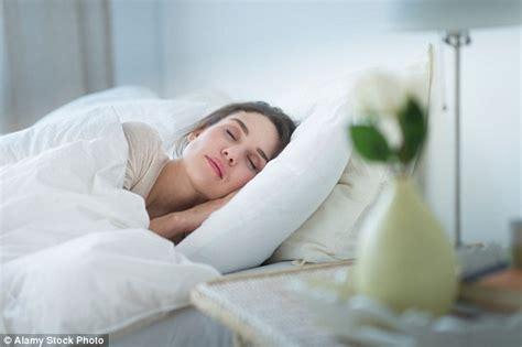 women found sleeping picture 7