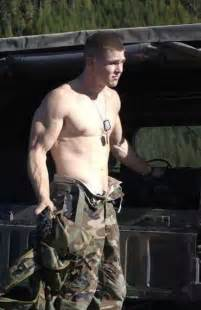 army men with bulges picture 9