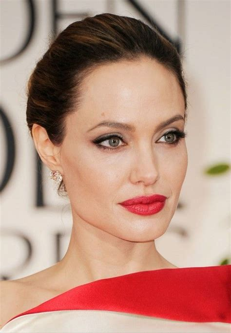 angelina jolie acne picture 7