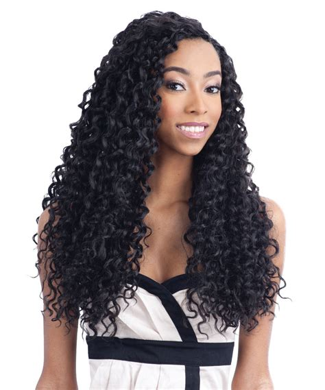 a salon who deals with curly hair picture 3