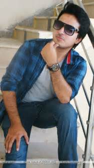 boy loking boy in karachi picture 9